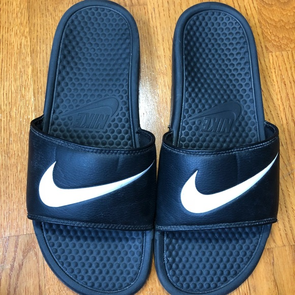db598b4bd Nike Slides good condition SZ 10. M 5a5cc026077b9729396c53cf